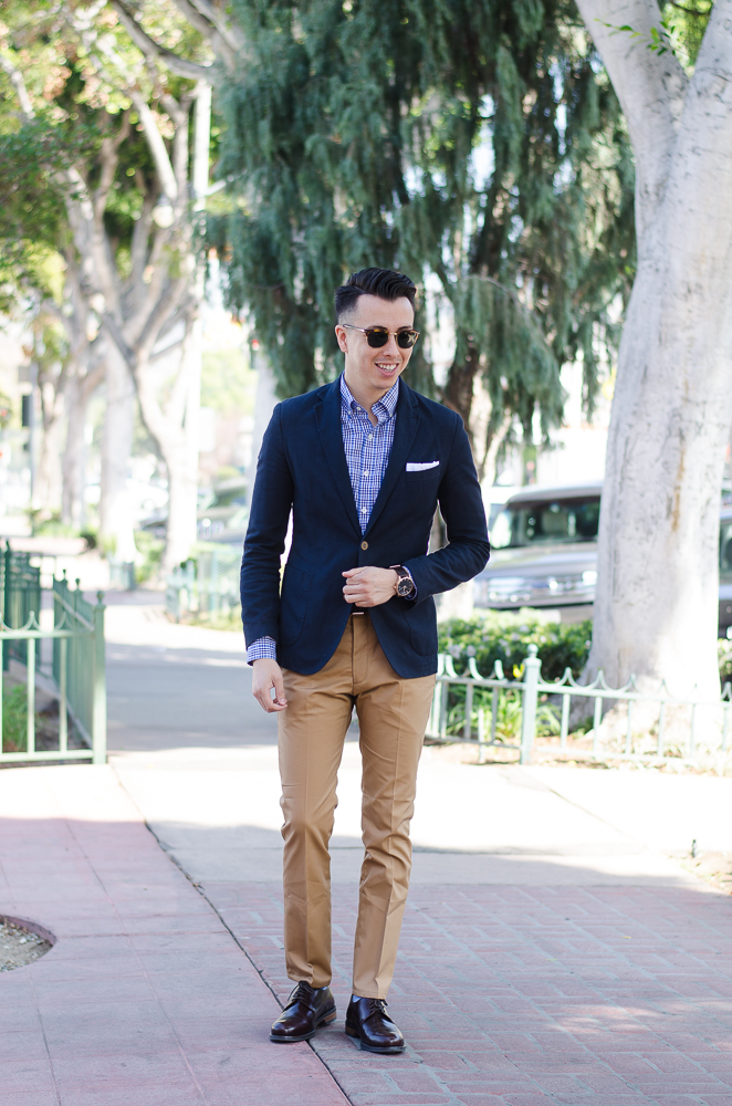what color shirt to wear with khaki pants